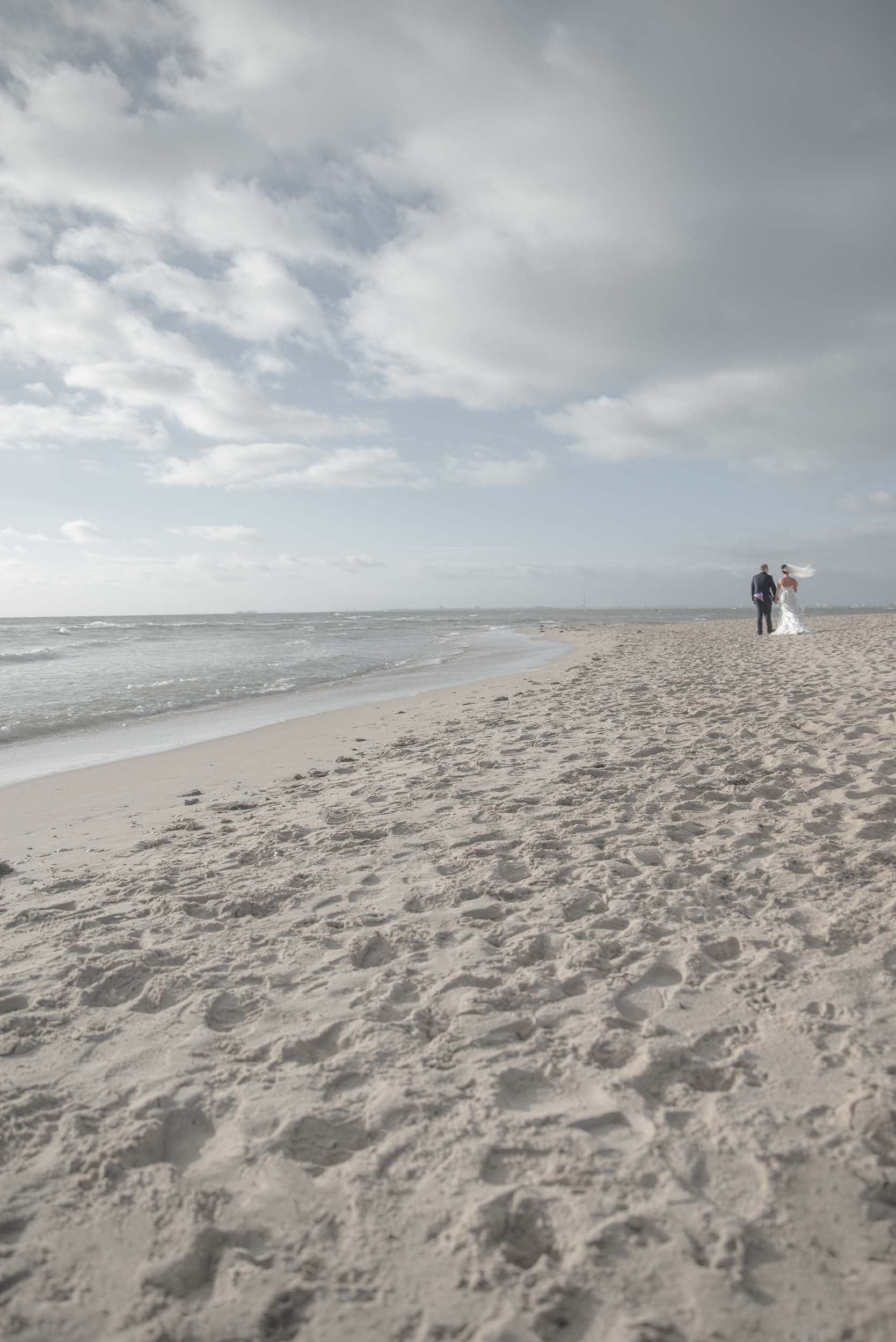 Best beach wedding photography Melbourne - Pause The Moment