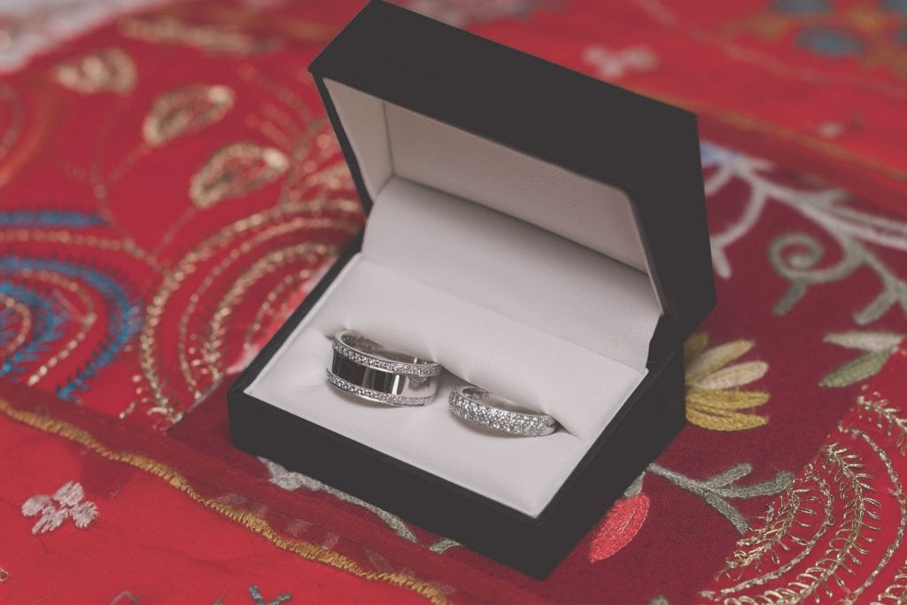 Wedding rings at a Melbourne wedding. Photography by Pause The Moment